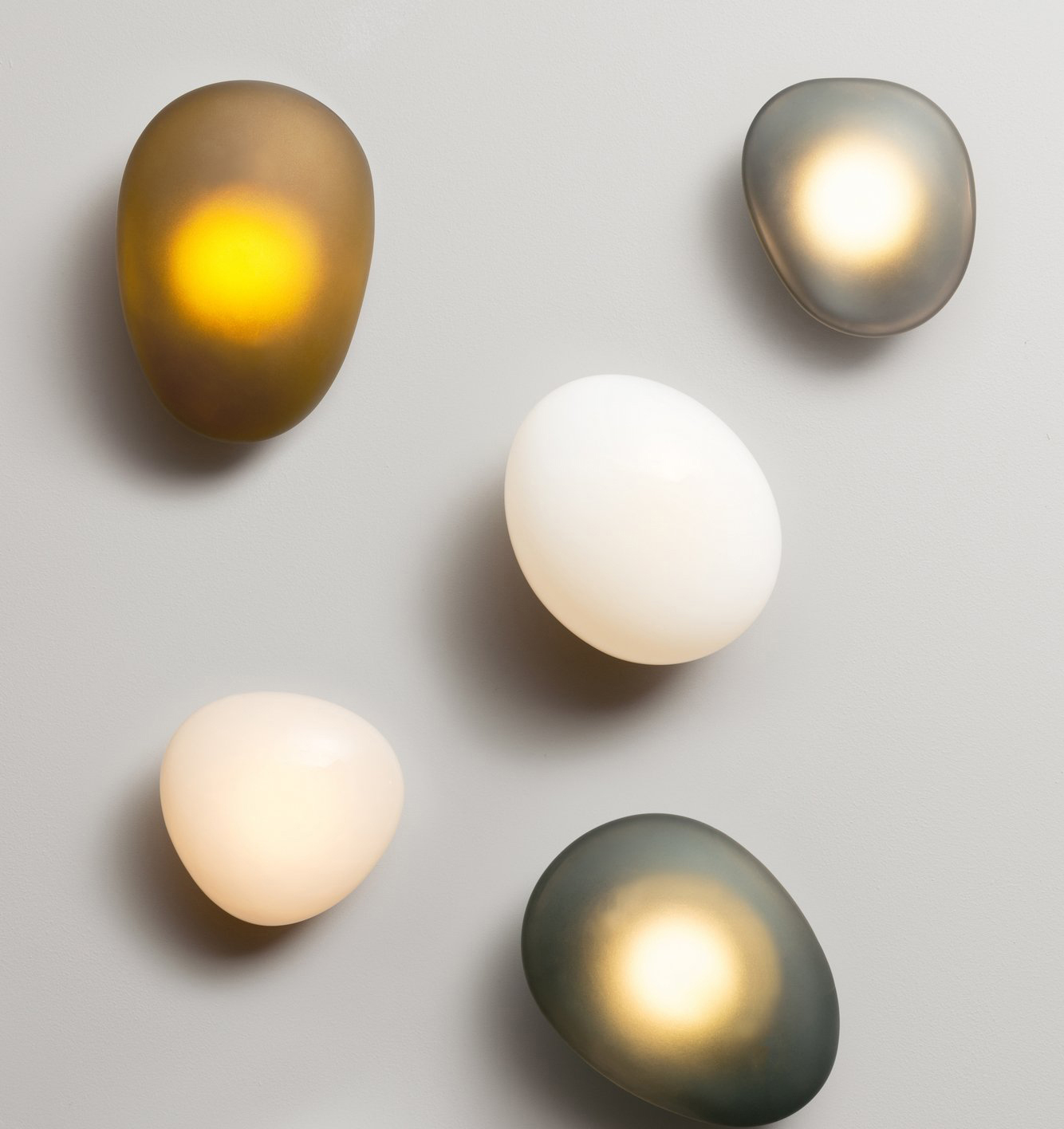 Pebble Wall Lamp